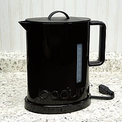 Bodum IBIS 57oz Black Electric Water Kettle