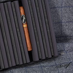 Davidoff Winston Churchill L.E. Travel Humidor Travel Cases