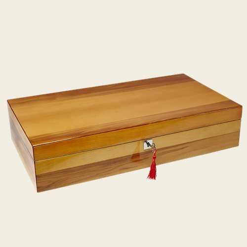 The Winchester Apple Wood Humidor - Pipes and Cigars